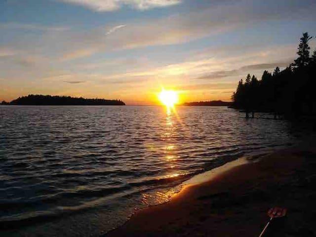 1-Chalet au bord du Lac-Saint-Jean