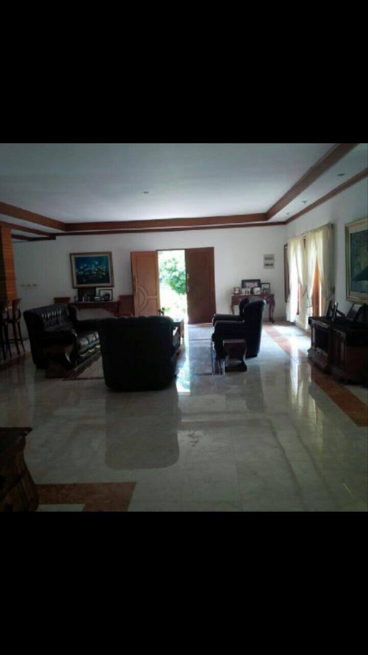 Villa 5BR Cisarua, Full Fasility