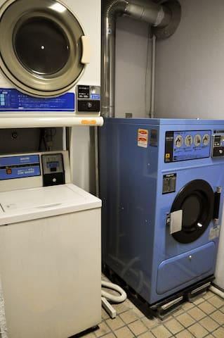 1F Laundromat/빨래방/ 自助洗衣房