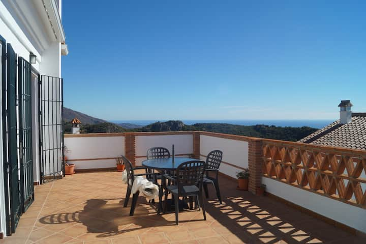 HEIMAHOMES CASARES VIEWS (COSTA DEL SOL)