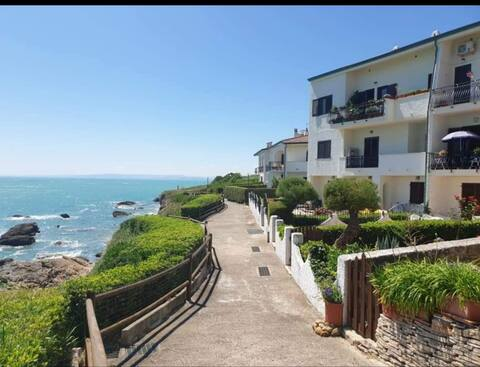 Beautiful flat in Private Residence on the sea!