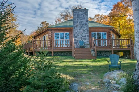 Ricky Craven's Lodge on Moosehead Lake - Гринвилль