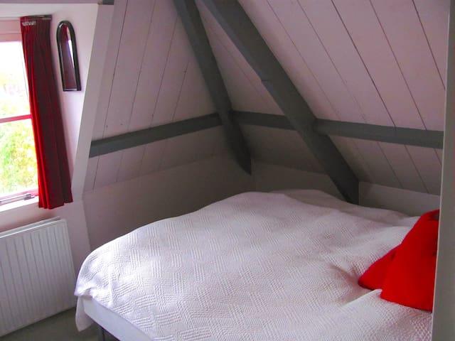 1st master bedroom