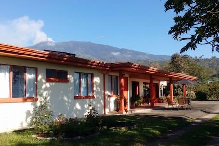 Casa Aquiares Lodge - Turrialba