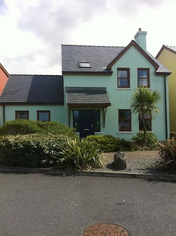 Self - Catering Holiday Home in Eyeries Village. - Eyeries - Hus