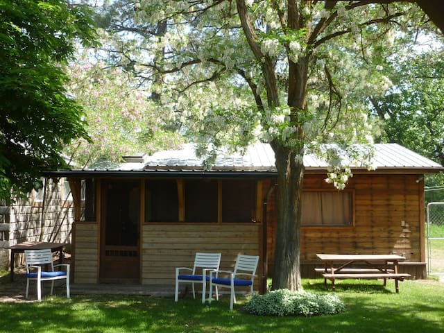 Natasha's Summer House - Grand Forks - Cabin
