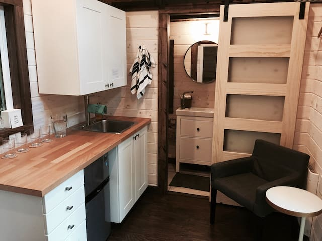 The Tize Tiny Home - Roberts Creek - Ev