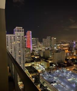 Super Modern Luxury Condo in heart of Downtown MIA