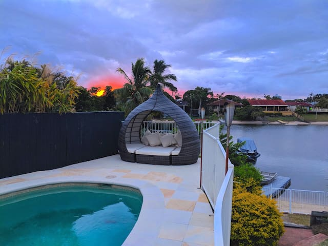 Waterfront Family Home in the heart of GC
