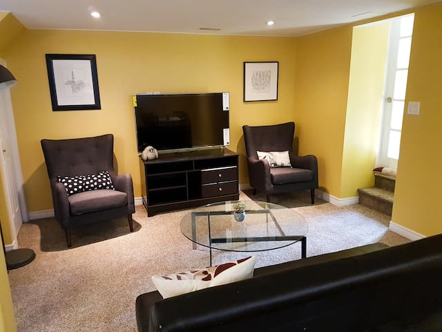 Sunny Central Suite with Style