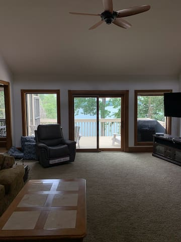 Living Room - check out the water!