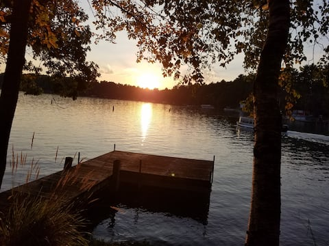 Columbia Lake Sunset View