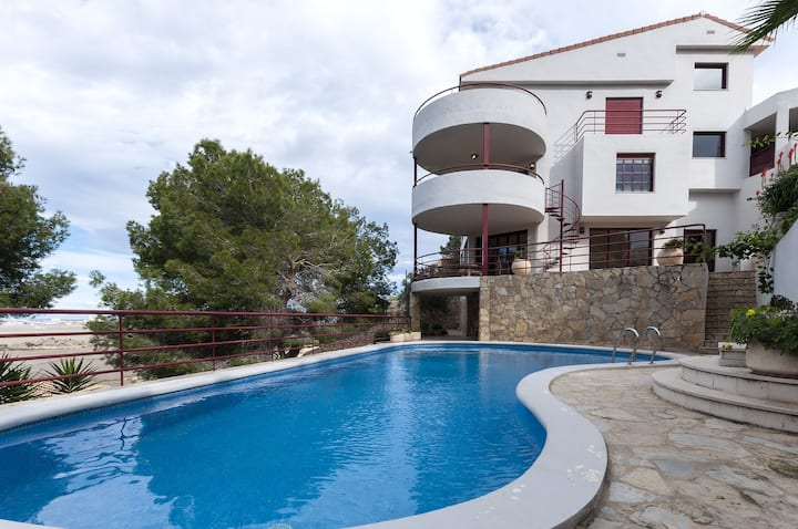 GUINDA DE PASTEL - Villa with private pool in Cullera. Free WiFi