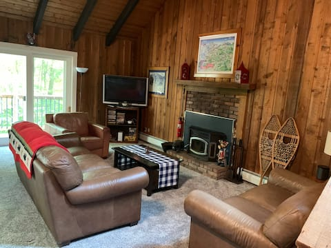 Chalet in the Woods w/ Pool - Mount Snow, VT