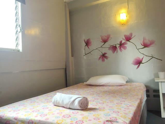 I-Single Room with Fan And Shared Bathroom1