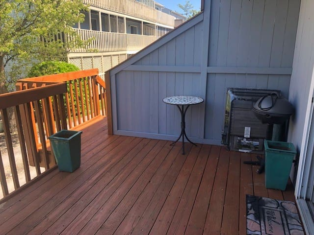 Large Deck that will be furnished by time of rental