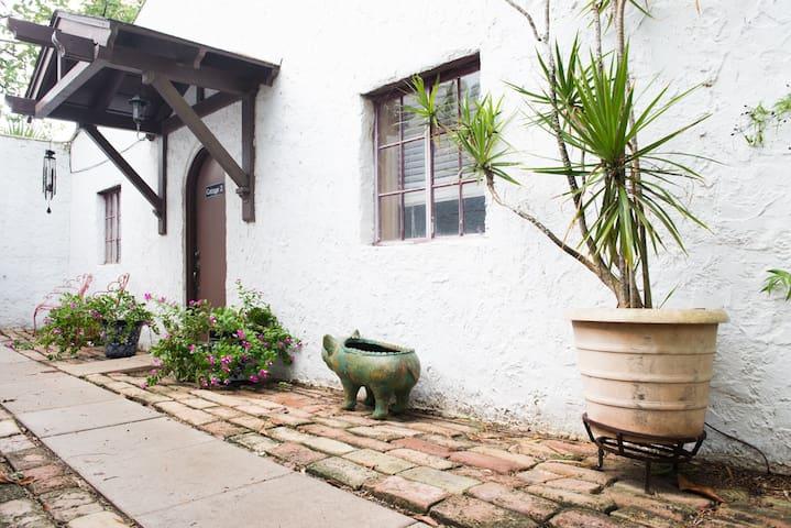 C2-- Cozy Cottage in a Spanish Hacienda - San Benito - Other