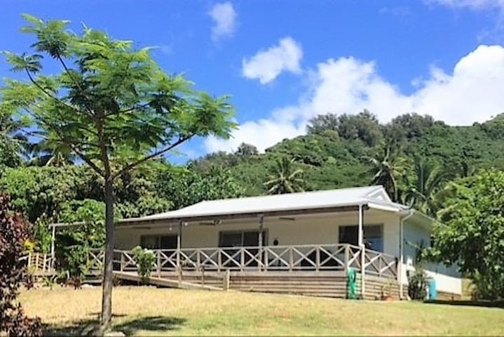 Turou Retreat - Large family home sleeps 12