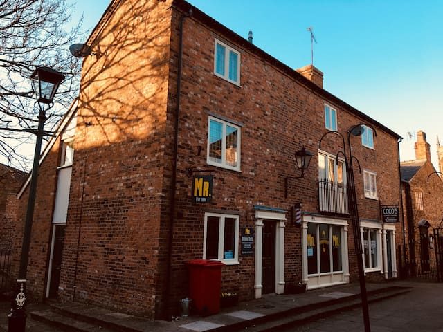 Stylish Two Floor Apartment In Centre Of Nantwich