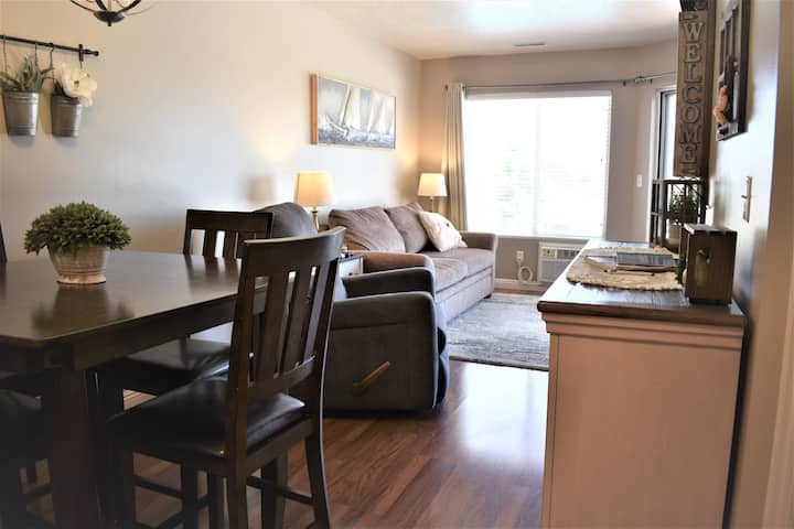Inn Building #209-Beautifully updated 1 bedroom condo