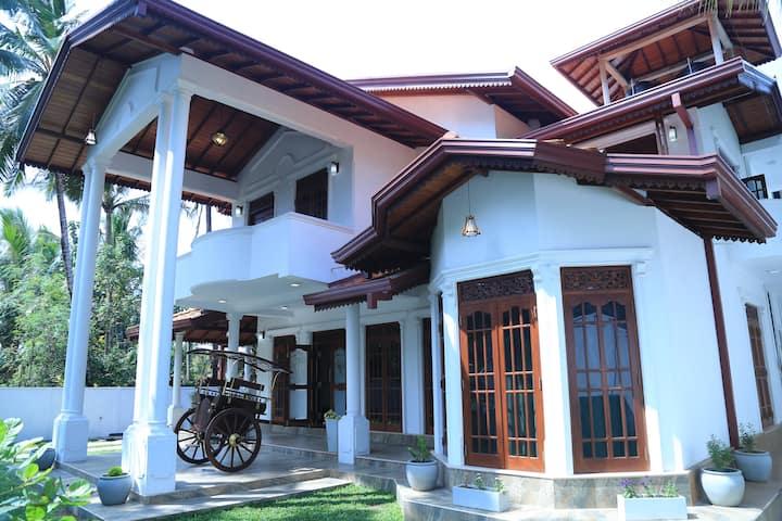 Suhada Holiday Villa