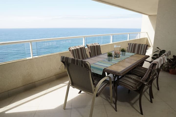 Oceanfront 8th floor Calafia condo