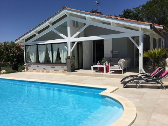 Chambre - Villas avec piscine - Auch - Hus