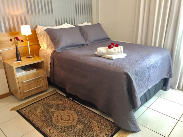 Comfortable, modern and central with 60 MB wi-fi - Brasília - Huoneisto