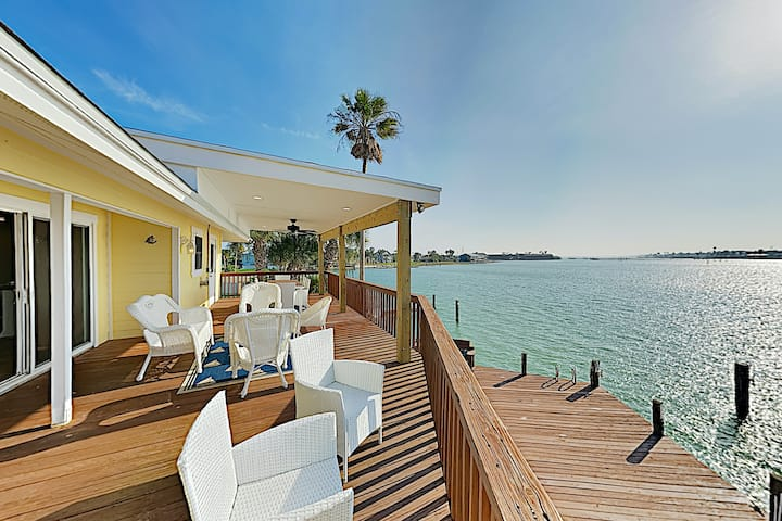 Waterfront Key Allegro Gem w/ Private Dock & Pool