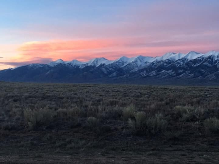 San Luis Valley Paradise close to 3 Hot Springs!