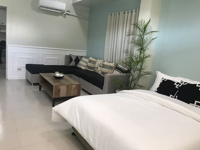 One-bedroom suite @ Vierra One Bldg.