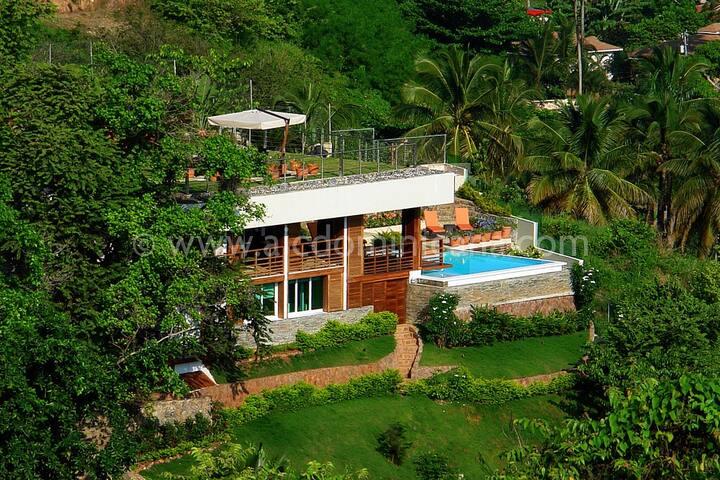 Villa Julia Modern Mountain, Town & Ocean Views