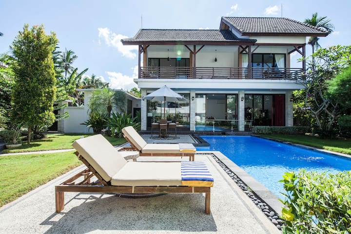 Oceanside Modern Villa with Private Pool