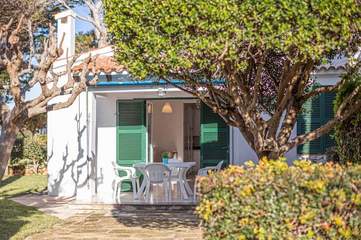 """Encantadora Casa de férias """"Villa Goyo"""" perto do mar com A/C, Wi-Fi, Terraço & Jardim; Estacionamento disponível"""
