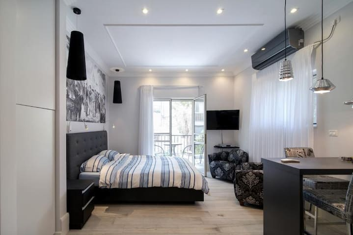 Stylish Botique Studio in Rehavia,