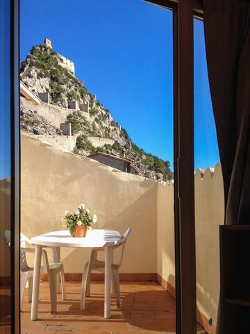 Cosy apartment in Entrevaux w/views - Entrevaux - Apartmen