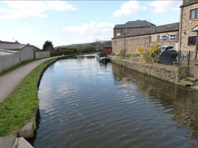 Prestigious Countryside Apartment 1 Mile From Town
