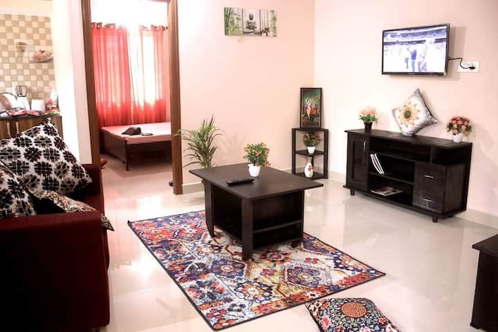Entire flat,couple friendly,central mall Bellandur