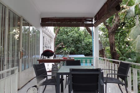 In the Heart of the City - Phnom Penh - House