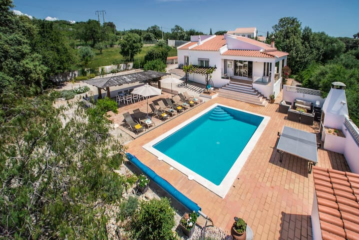 LOVELY VACATION VILLA IN ALGARVE