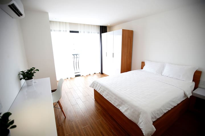 Studio/1Bedroom Apartment with Pool,Near AIRPORT