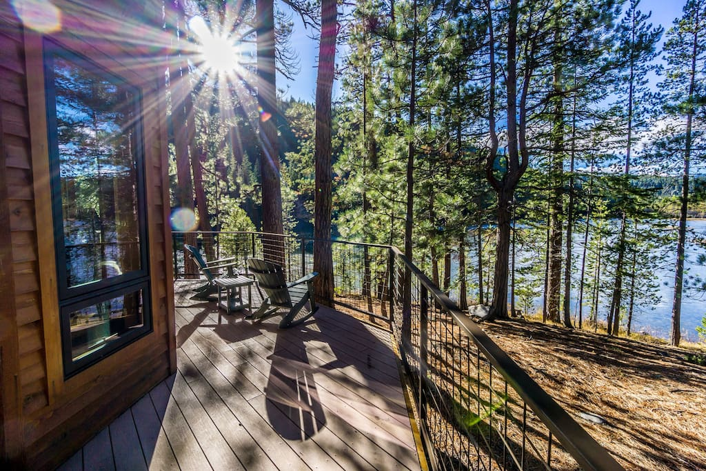 Romantic lakeside luxury cabin near tumalo falls for Romantic cabins oregon