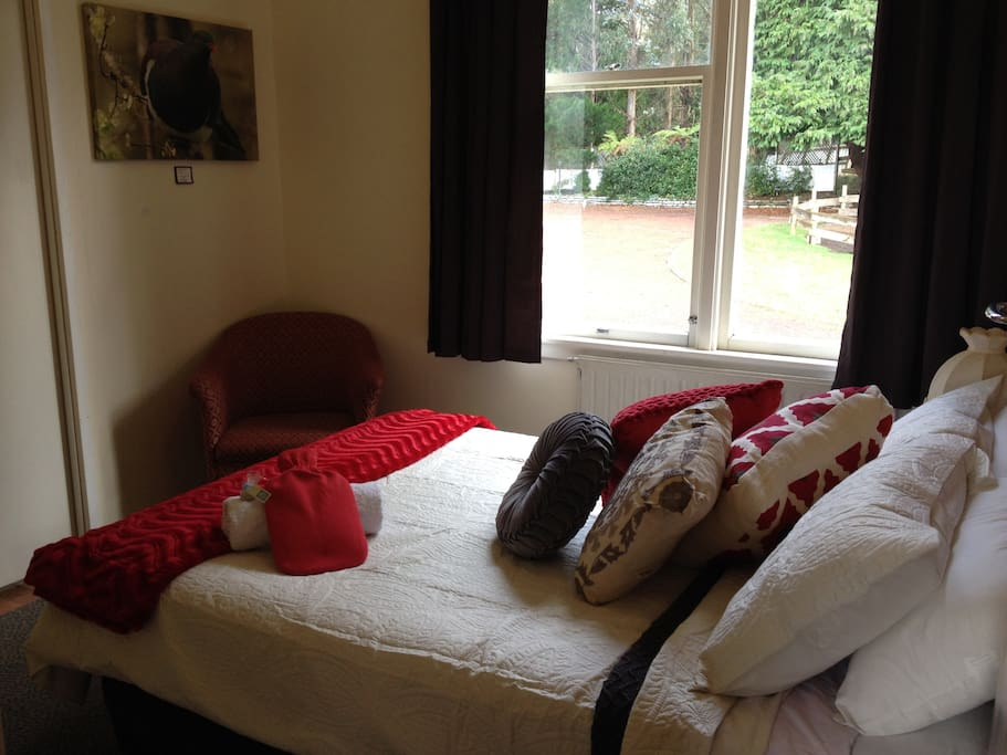Double room with garden view. Free WiFi, continental breakfast, full bedding and white fluffy towels included in rate.