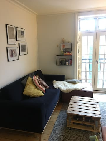 Charming 3 room flat at Nørrebro st