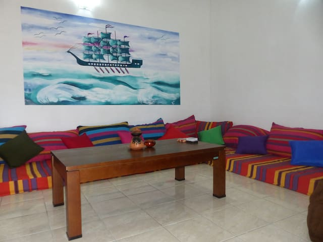 HOSTEL 3 single beds with an independant entrance