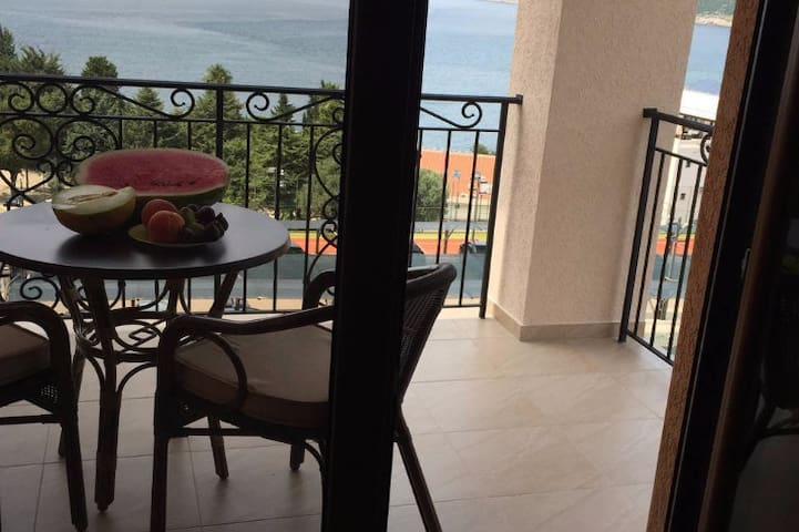 Студио с видом на море. Apparts with sea view. - Dobra Voda - Apartment