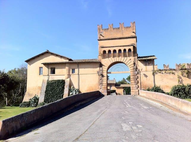CASA DA SOGNO IN UN CASTELLO A POCHI KM DA ROMA