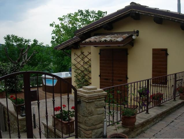 Casa dell Noci B&B - Rosora - Bed & Breakfast