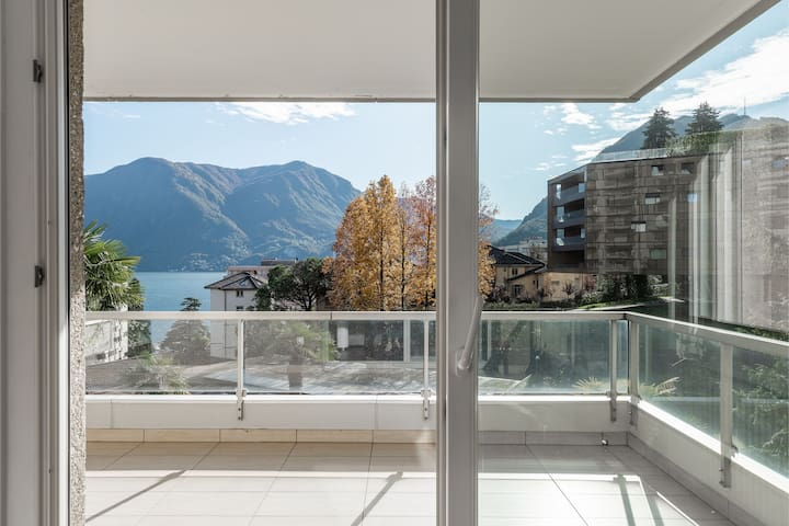 Charming with lake view (MARAINI 15)