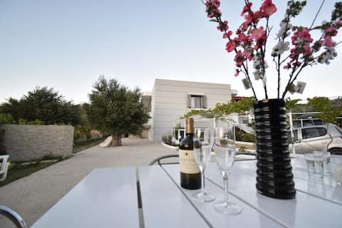 GR-07.Villa Arya-Pigadia!Great garden!Close 2beach